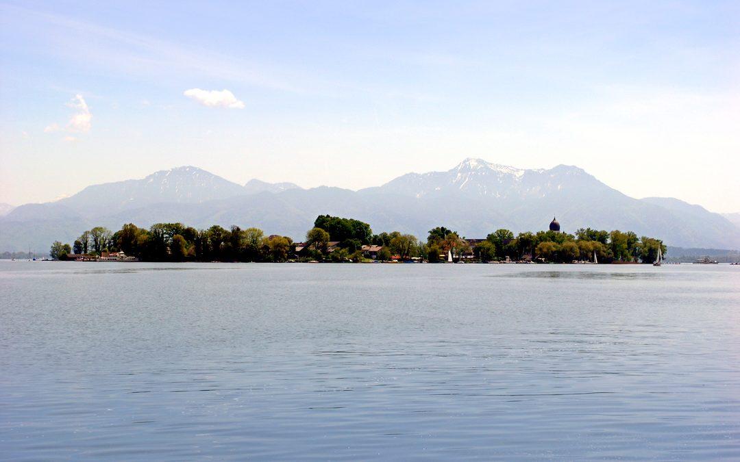 Gesang und Qigong auf der Fraueninsel